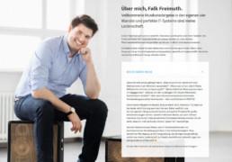 Desktop-Ausschitt der About-Sektion mit Infos zu Falk Freimuth